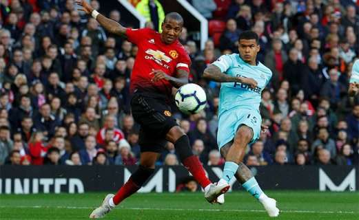 kenedy-goal-ashley-young-manchester-united-newcastle-nufc-650x400